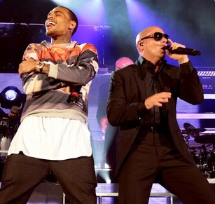chris-brown-and-pitbull-at-hollywood-bowl