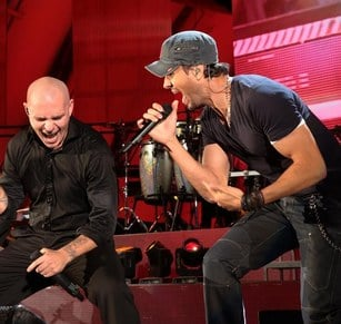 enrique-iglesias-and-pitbull-at-hollywood-bowl