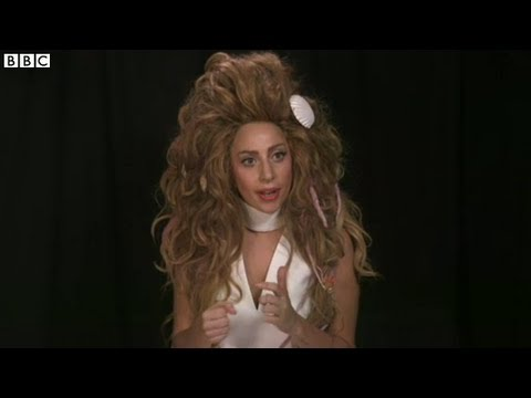 Video thumbnail for youtube video Lady Gaga parla delle sue paure e del suo infortunio