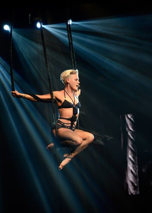 pink-the-truth-about-love-tour-3-1360926405-custom-0