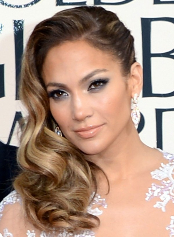 jennifer-lopez-golden-globes-2013-red-carpet-02