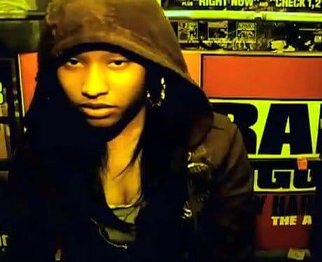 Nicki-Minaj-With-No-Make-Up-1360327537-View-0