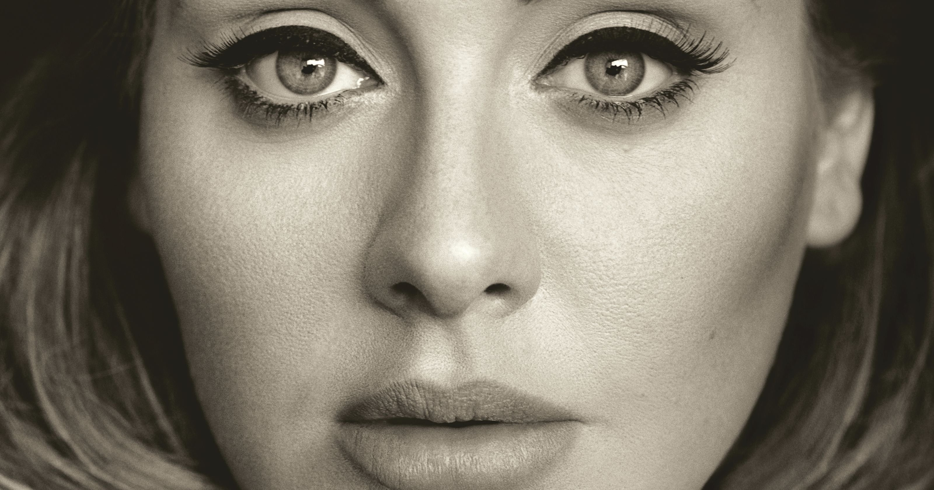 Adele-25-non-è-disponibile-in-streaming-ma-vende-2-milioni-di-copie-in-3-giorni