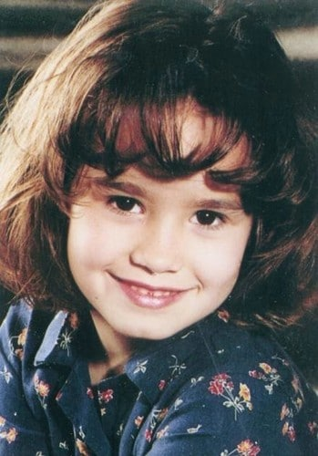 Demi-as-a-child-demi-lovato-22825631-349-500