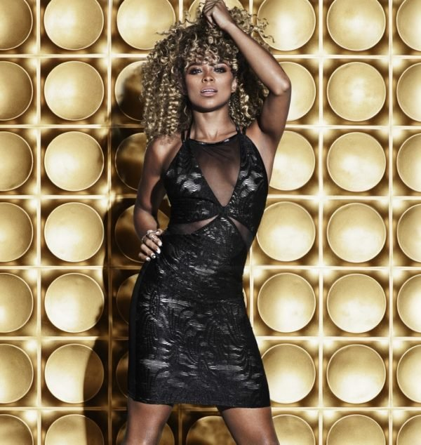 Lipsy-collaborates-with-Fleur-East-969x1024