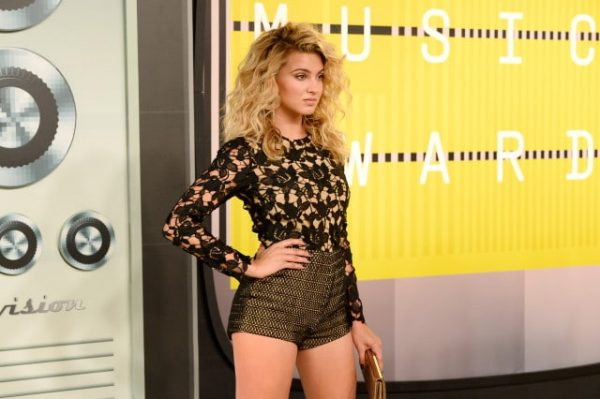 Tori-Kelly-MTV-VMAs-2015-2-640x426