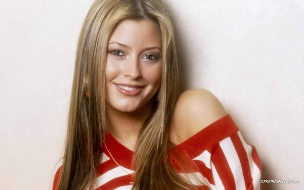 holly-valance-204-10