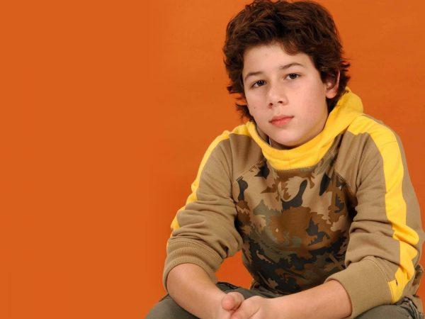 nick_jonas_actor_childhood_kid_stylish_celebrity_19170_1600x1200