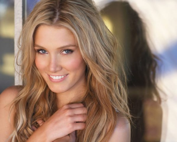 smiling-delta-goodrem-background-picture-new-best-hd-wallpapers-of-delta