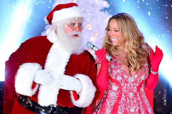2642679-santa-mariah-carey-tree-lighting-617-409