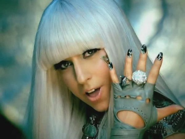 Poker-Face-Music-Video-lady-gaga