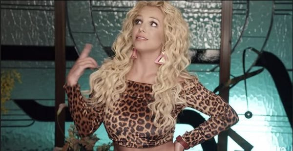 britney-iggy-pretty-girls-clipe
