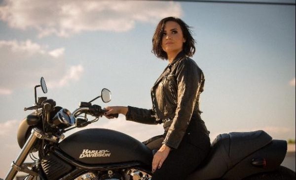 demi-lovato-confident-video