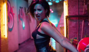 demi-lovato-cool-for-the-summer-music-video