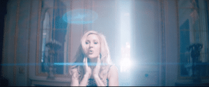 ellie-goulding-love-me-like-you-do-video