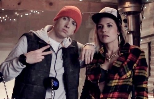 Eminem & Dr. Dre feat Skylar Grey – I Need a Doctor
