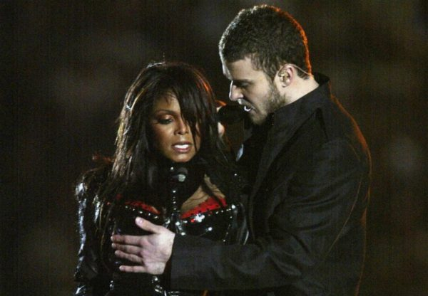 9.-Janet-Jackson-Justin-Timberlake-Kid-Rock-P-Diddy-Nelly-Super-Bowl-Xxxviii-2004-
