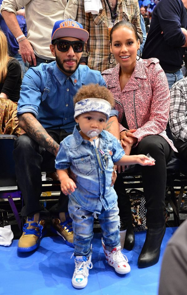Alicia-Keys-Swizz-Beatz-posed-sweet-family-photo
