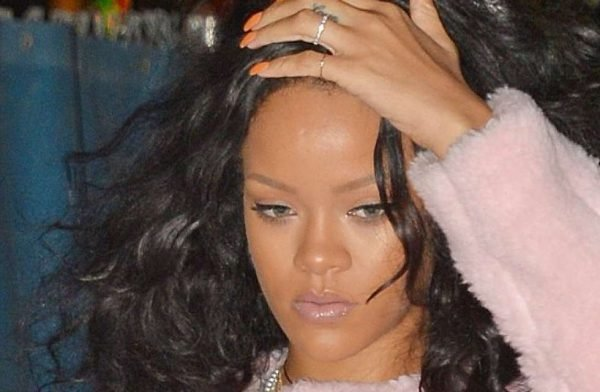 Rihanna-sad-look