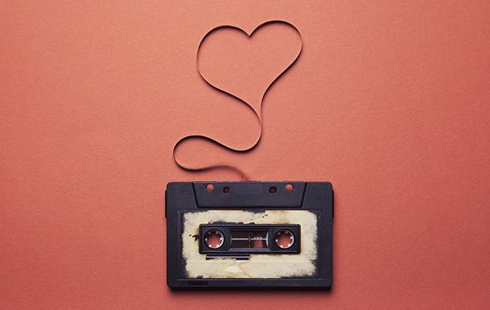 Photo of San Valentino: Le 10 canzoni d'amore più ascoltate su Spotify dagli italiani