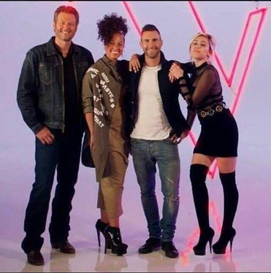 Miley-Cyrus-The-Voice1