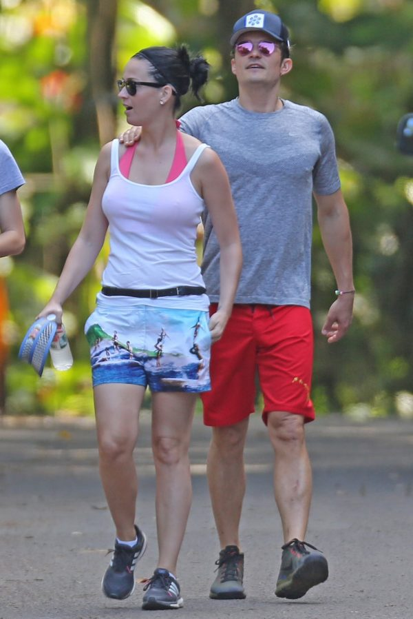 EXCLUSIVE: *PREMIUM EXCLUSIVE RATES APPLY* *NO WEB UNTIL 4AM EST, MARCH 2* *NO TV UNTIL 3PM EST, MARCH 1* A bikini clad Katy Perry and shirtless Orlando Bloom hiking the Napali Coast in Hawaii on February 27. The new couple walked hand in hand and were joined by a couple of friends on their hike. Pictured: Katy Perry and Orlando Bloom Ref: SPL1236723 290216 EXCLUSIVE Picture by: Splash News Splash News and Pictures Los Angeles: 310-821-2666 New York: 212-619-2666 London: 870-934-2666 photodesk@splashnews.com