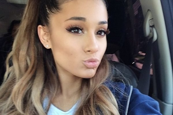 19-Year-Old-Ariana-Grande-Made-The-Only-Makeup-Tu-2-2482-1419022971-1_Dblbig
