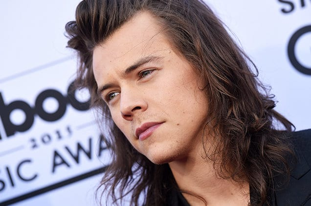 harry-styles-bbmas-pensive-2015-billboard-650