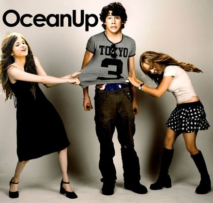 miley-selena-fight-over-nick-oceanup-thumb-440x419