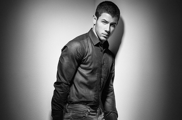 nick-jonas-press-2014-billboard-650-a