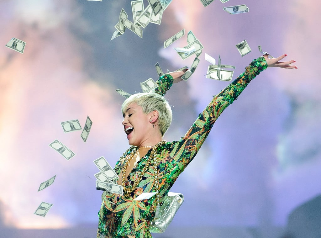 rs_1024x759-140319092126-1024.miley-cyrus-concert-money.ls.31914