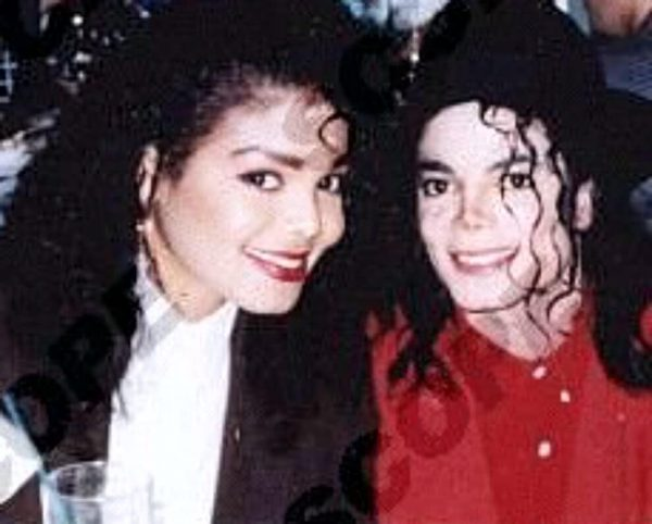 Michael-And-Janet-Jackson-1989-michael-and-janet-jackson-29667614-989-795