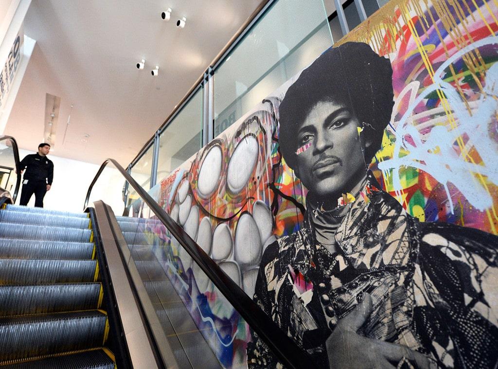 rs_1024x759-160421174745-1024.Prince-Grammy-Museum-Mural-LA.ms.042116