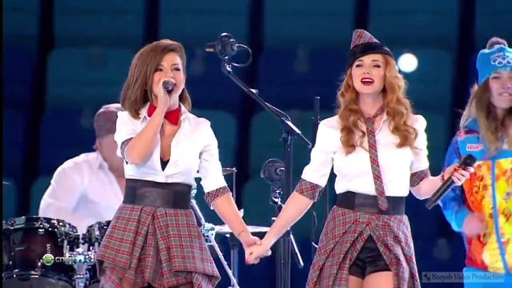 Photo of Le t.A.T.u. si riuniscono per una performance live, ma…