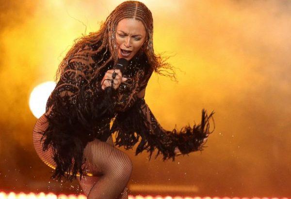 AP_BET_Awards_Beyonce_Kendrick_Lamar_160627_DC_12x5_1600
