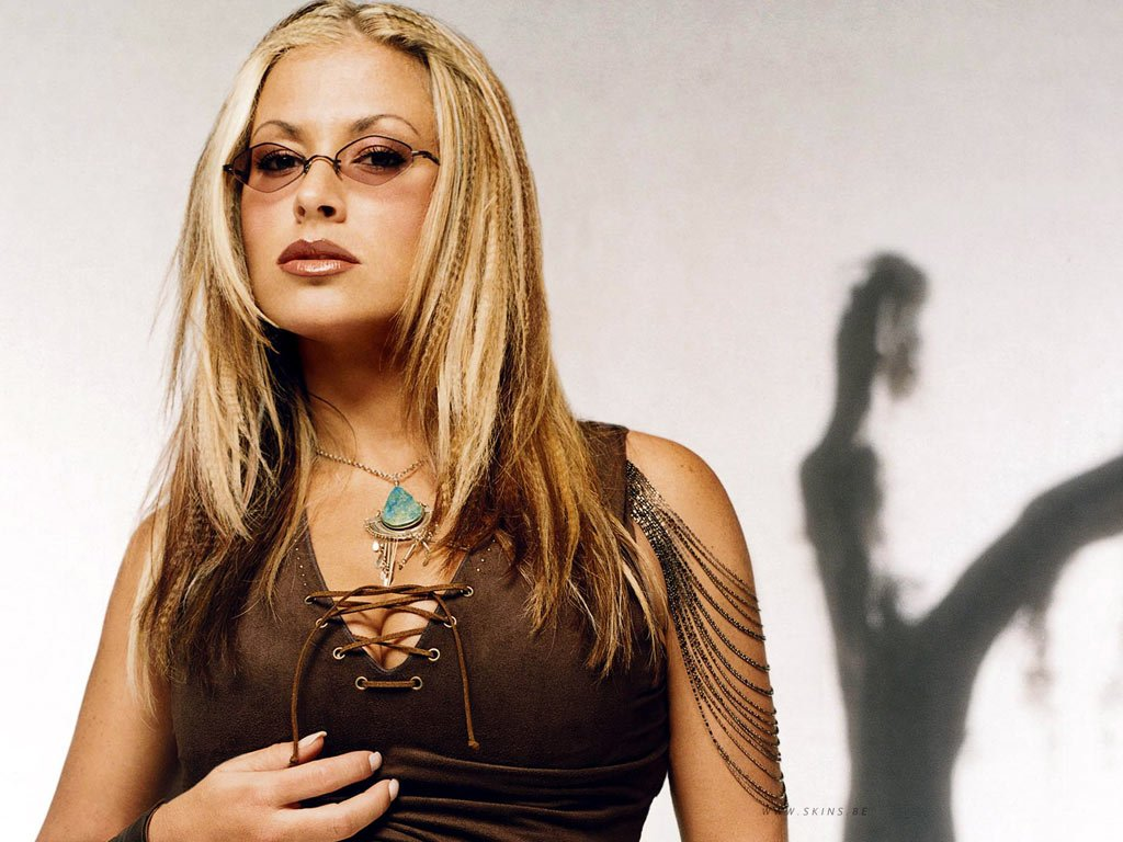 Photo of Anastacia sexy e scandalosa in una foto in topless postata online!