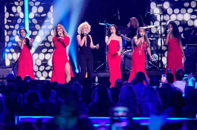 Photo of Country Music Awards 2016: vincitori e performer (Carrie Underwood, Fifth Harmony)