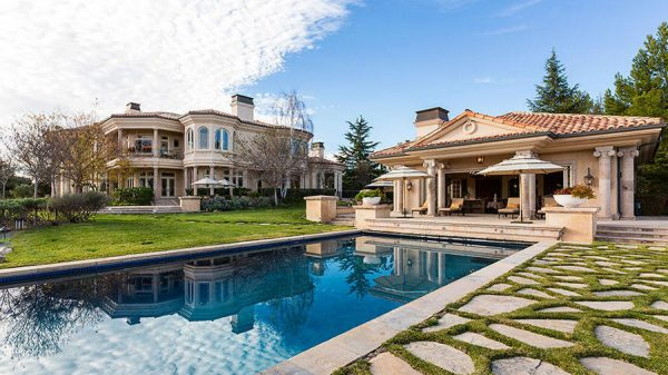 Britney-Spears-Thousand-Oaks-Villa-Estate-Forbes