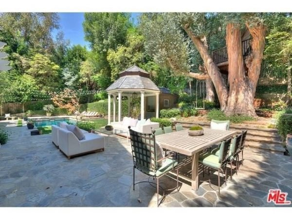adele-beverly-hills-home-mansion-house-inside-interior-26-640x480
