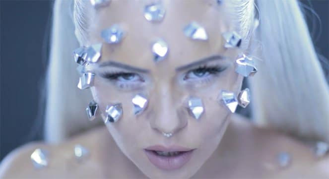 kerli-diamond-hard-video