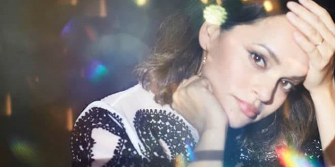 "Photo of Norah Jones rispolvera il jazz in ""Carry On"" – VIDEO UFFICIALE"
