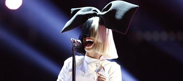 Sia-appearing-on-The-Voic-0093