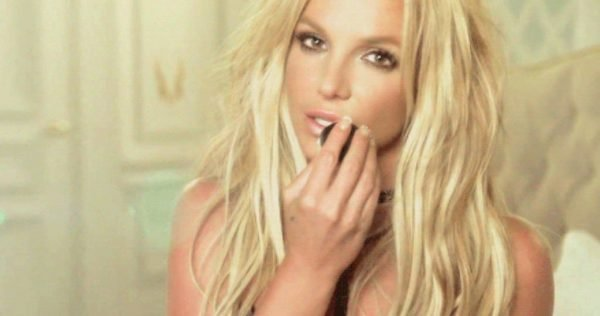 britney-spears-make-me-video-1024x540