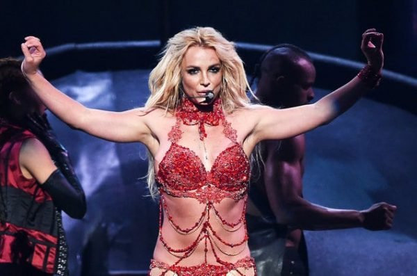 01-britney-spears-bbmas-red-performance-2016-billboard-1548
