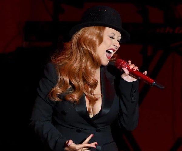 Christina-Aguilera-Red-Hair-June