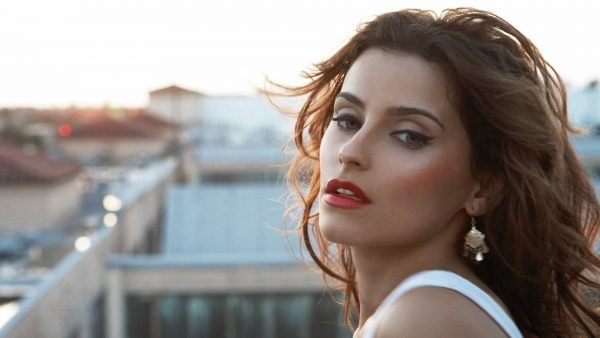 Nelly-Furtado-Wallpapers-01