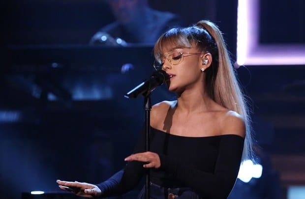 ariana-grande-masons-song-performance