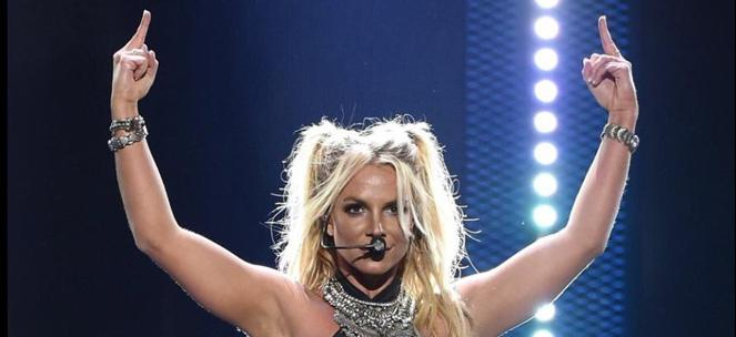 britney-spears-iheart-performancef