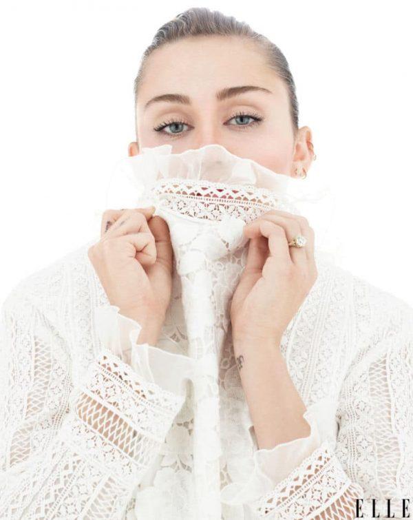 Gallery-1473614796-Elle-October-Miley-Cyrus-02-Wm