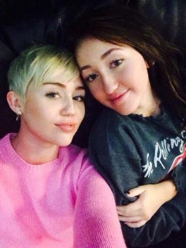 Miley-Cyrus-And-Noah-Cyrus